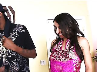 Big-boobed Dark-haired Mummy With Giant Booty Raven Black Loves...