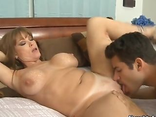 A Hot Cougar Is Ate Out By A Nice Youthfull Stud