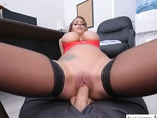 Fired Assistant Brooklyn Chase Gives Goodbye Oral Job To Her Exotic...