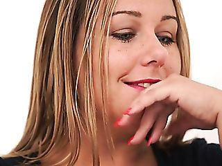 Chubby English Nymphomaniac Ashley Rider Fondles Her Meaty Puss In...