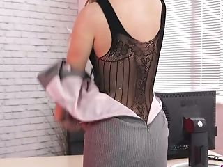 Lewd Assistant In Figure Fishnets Jasmine Lau Gets Naked In The Office