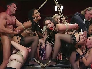 Experienced Hoe Aiden Starr Takes Part In Crazy Bondage &...