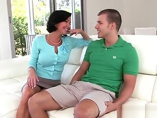 Squirting Stepmother Bj's And Rails Schlong