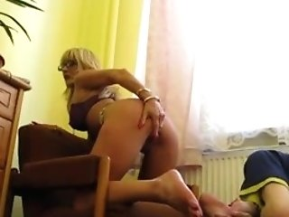 Russian Stud Eat Matures Mistress Gash