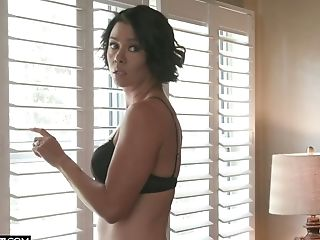 Hook-up-thirsty Seductress Dana Vespoli Hooks Up With Her Fresh...