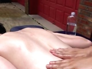 Smooth-shaven Vagina Woman Going Knuckle Deep With Popshot