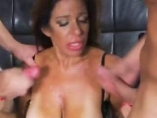Ideal Fresh Mama Layla Lamora Gives Tit Fucking Hot Teenager...