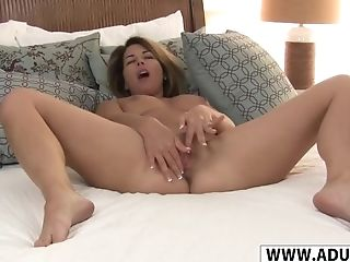 Whorish Faux Mommy Niki Gives Blowage Cool Youthful Step Sonny