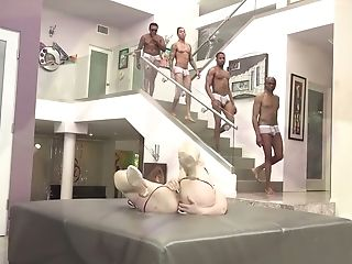 Milky And Black Dudes Fuck Big Bottomed And Big-boobed Bitch Lauren...