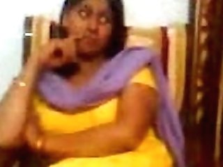 Indian Aunty Flashing Her Big Mounds - Arab-videosx.com