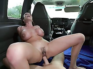Sexy Milfie Pickup Artist Ariella Ferrera Lures Dude To Suck His...