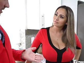 Filthy Family - Stepmom Ava Addams Fucks Away Connor Kennedy's...