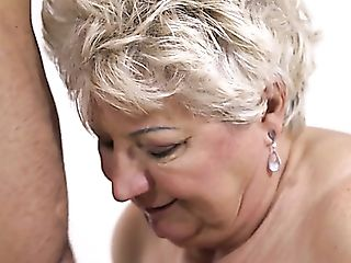 Chunky Matures Blonde Whore In Black Stockings Astrid Gives Fairly...
