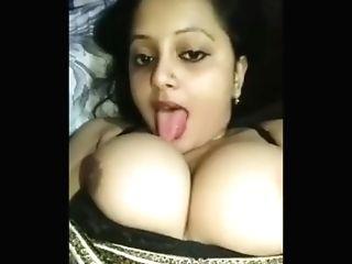 Desi Pakistani Aunty Eating Titties