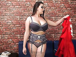 Big Boobed Cougar Cherry Redden Is Interested In Taunting Her Raw Vag
