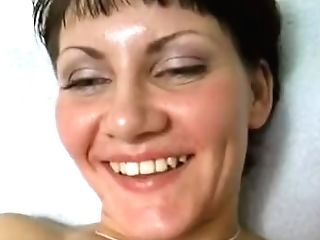 Insane Mom Mummy Stuffing Trimmed Fuckbox With Big Faux-cock Close Up
