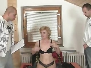 Two Delivery Dudes Share Matures Stunner