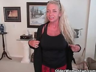 Yankee Gilf Kyle Spoils Us With Her Massive Orbs
