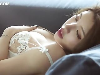Japanese Model 黄楽然 Voluptuous Photoshoot
