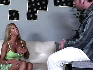 Cougars Like Morgan Ray Are Meant For Pounding