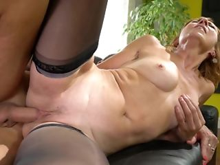 Matures Ginger Welcomes Youthfull Pecker In Her Clean-shaved Cunt