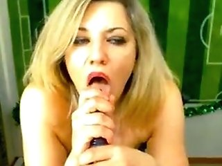 Blondy Hot Mom Chit Talk In Webcam