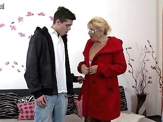 Super-naughty Matures Mom Entice Youthful Stepson Taboo