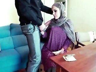 Horny Muslim Woman And Arab Dolly Kumar And Girlsdoporn Arab...