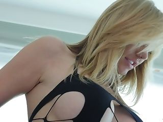 Provocative Cougar Brett Rossi Gets Her Bung Rimmed Before A...