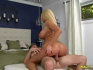 Sweet Mummy Beauty Summer Brielle Taylor Rails A Phat Pipe Hard-core