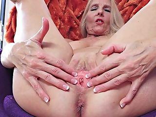 Chery Mummy I´d Like To Fuck - Xozilla Porno Movies