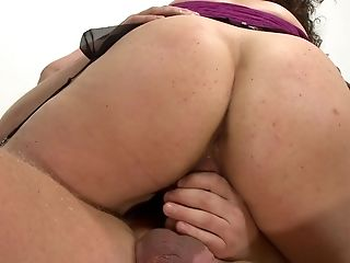 Inexperienced Patti Petite With Big Breasts And Booty Gives Amazing...