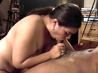 Fat Latina Chick Gives Lengthy Oral Job On Motel Floor