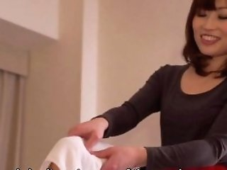 Subtitled Cfnm Japanese Motel Mummy Rubdown Leads To Hand Jobs