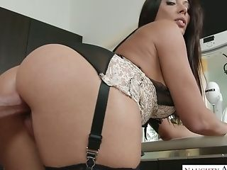 Hot Blooded Dude Fucks Supah Sexy Housewife Rachel Starr In The...