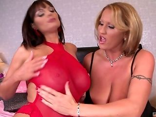 Sheila And Laura Know What To Do With The Wild Romp Fucktoys