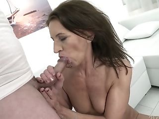 Matures Woman Viol Gets Her Snatch Fucked And Jizzed Rear End Style