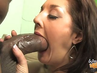Bobbi Lennox Can't Fit Half That Dick In Her Mouth!