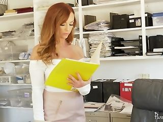 Dani Jensen Gets Her Cootchie Packed With A Hard Penis In The Office