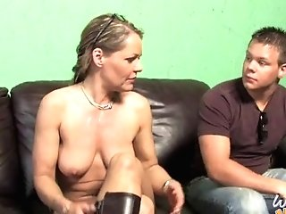 Supah Cougar Kelly Leigh Possessed By Big Black Cock If Front Of...