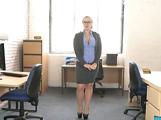 Trampy Chubby Chick Beth Get Snaked And Dances In The Office