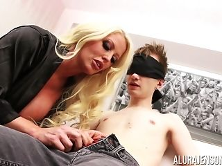 Massive-titted Blondie Alura Jenson Having Her Coochie Boinked