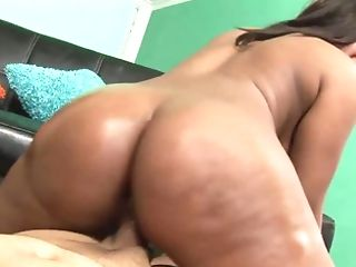Meaty Woman With Large Butt Loves To Get A Hard Penis