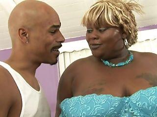 A Black Woman That Has A Fat Figure Is Sucking A Big Meaty Pecker