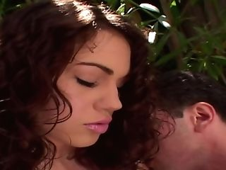 Sexually Attractive Honey With A Very Hot Bubble Arse Gets N -...