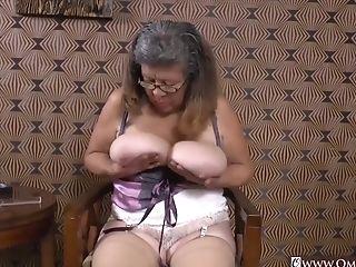 Omageil Matures Latinas Striptease And Closeup
