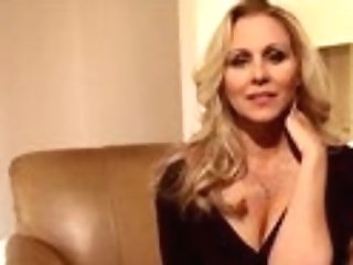 Big-titted Blonde Cougar Julia Ann Frigs Her Poon!