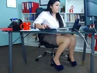 This Cougar Is Pleasing Herself At Work And She Is Loving Every 2nd