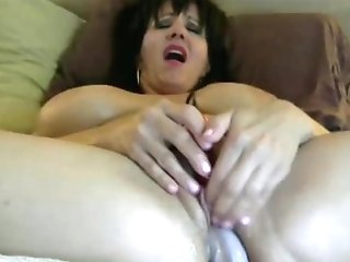 Sexy Cougar Cums Hard On Fake Penis And Pearl Vibe