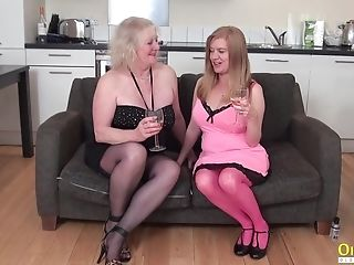 Oldnanny Two Matures Lezzies Playing With Fucktoys